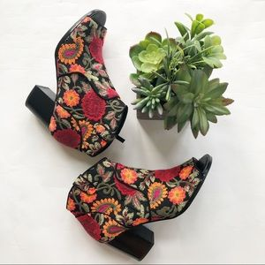 Crown Vintage Frankie ankle booties embroidered